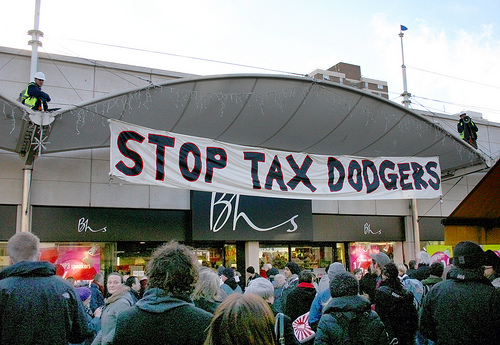 Stop tax dodgers banner outside a BHS shop